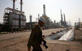 Иран заморозит добычу нефти