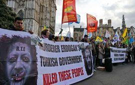 США призвали Турцию прекратить обстрел курдов