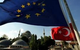 Турция намеренно отправляет беженцев