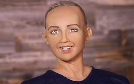 Робот с сумасшедшими глазами хочет семью