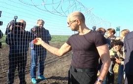 «Стену Яценюка» все таки воздвигнут