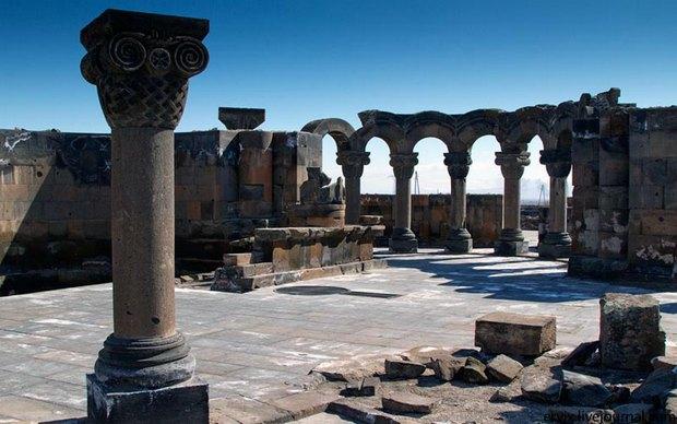 Pol-hrama-Zvartnots-v-idealnom-sostoyanii