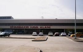 Турецкий аэропорт в Диярбакыре остбрелян ракетами
