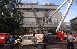 Издание «Украинская правда» : В Киеве подожгли здание
