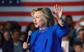 Клинтон заявила, что прекрасно себя чувтсвует