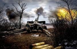 Хроника Донбасса: обстрел по всем фронтам