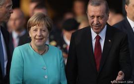 Меркель предложила Анкаре помощь