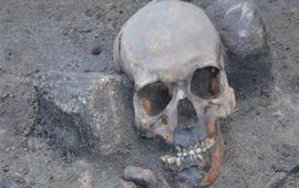 Обнаружены останки трех «вампиров»
