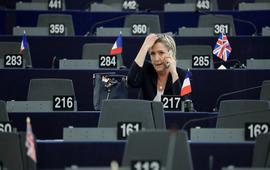 Марин Ле Пен не вернет Европарламенту 300 тысяч