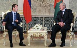 "Медведев - ""Закоренелый друг"" Лукашенко"