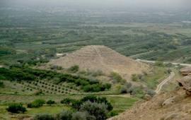 Пирамида в Араратской Долине - Армения