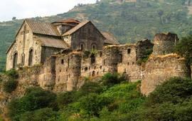 Монастырь и крепость Ахтала