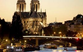 «Весь мир любит Париж» - Олланд - Трампу