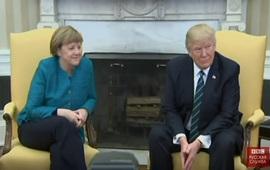 Трамп не пожал Меркель руку