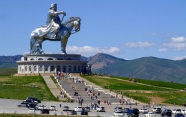 В монгольском до фига русского и армянского