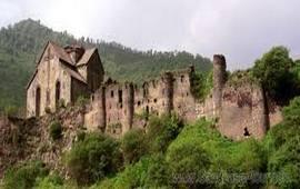 Армянский монастырь-крепость Птгаванк (Ахтала)