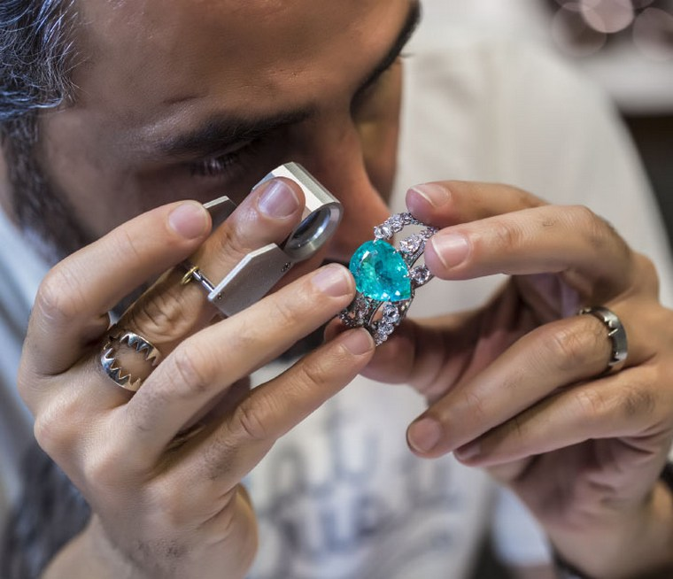 When gold prices go up, jewelry prices follow