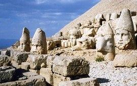Гробница армянского царя на горе Немрут