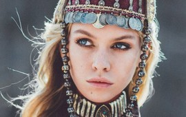 Стелла Максвелл позирует для Vogue в Армении