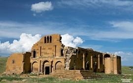 Из истории адаптации христианской архитектуры