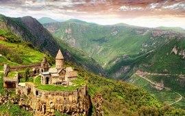 Три красочных фильма об Армении