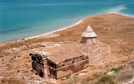 Монастырь Ктуц на озере Ван - Армения
