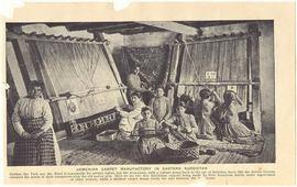 Армянки ткущие ковры - 1907 год