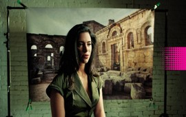Лара Сетракян - Человек объясняющий кризис