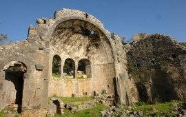 Турки устроили сортир в армянской церкви