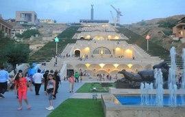 Возведение большого Каскада в Ереване