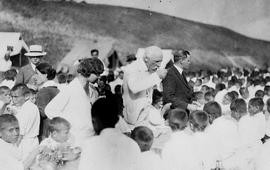 Фритьоф Нансен с армянскими сиротами