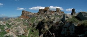 Тайный вход в древнюю крепость Бердкунк
