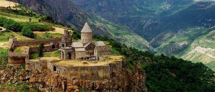 Легенды монастыря Татев