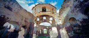 Руины армянской церкви