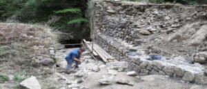 Ремонтируется исторический мост Хунота