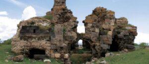 В Ване разрушаются армянские церкви
