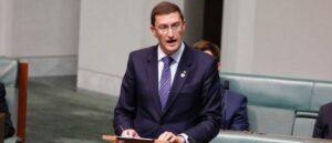 Депутат Джулиан Лизер призывает Австралию