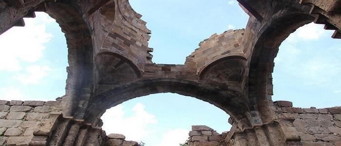 Монастырь Порта в Ардвине нуждается в реставрации