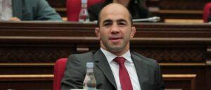 Депутат Арсен Джулфалакян покинул парламент
