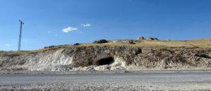 Древние пещерные гробницы Вана