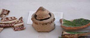 Средневековая керамика в руинах Ани