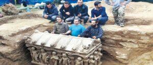 Римский саркофаг найденный в Турции