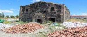 В Эрзруме кладоискатели повредили армянскую церковь