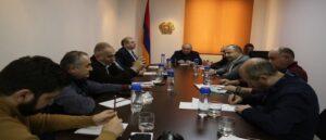 Вазген Манукян встретился с политологами и экспертами