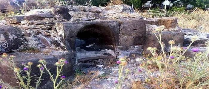 В Кесарии от церкви Св. Аствацацин сохранились незначительные руины