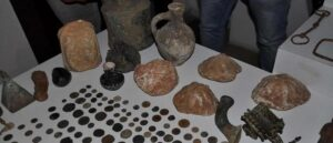 Более 400 исторических артефактов вернулись в Турцию из Венгрии