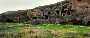 400 пещер долины Мадавандж - Историческая Армения