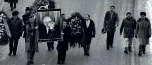 Похороны Сахарова - Россия, которая прощается со своей совестью
