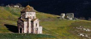 Армянская Церковь Богородицы VII века в селе Воскепар под угрозой
