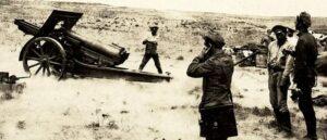 Армянская артиллерия обстреливает позиции противника под Баку - Сентябрь 1918 год